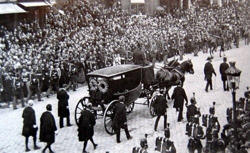 Parigi, 1 giugno 1885. Il funerale di Victor Hugo