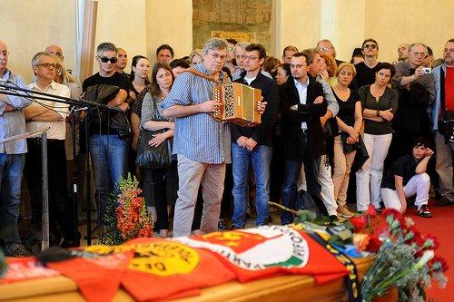 L'omaggio di Riccardo Tesi a Stefano