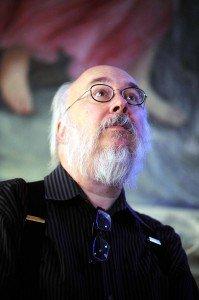 Henry Jenkins ammira gli affreschi di Palazzo Marescotti - foto di Roberto Serra