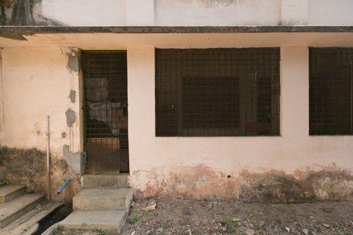 Sbarre alle finestre della casa di Miavaldi