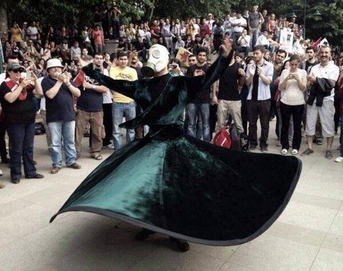 rling demonstrator in Istanbul