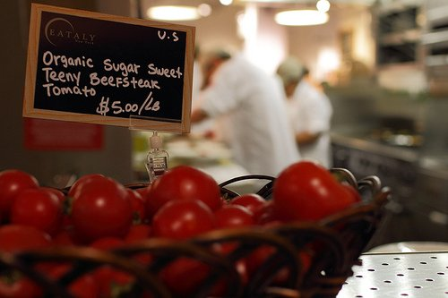 Pomodorini di Eataly. Circa 8 euro al kg.