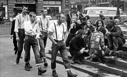Skinheads a Piccadilly Circus, 1969