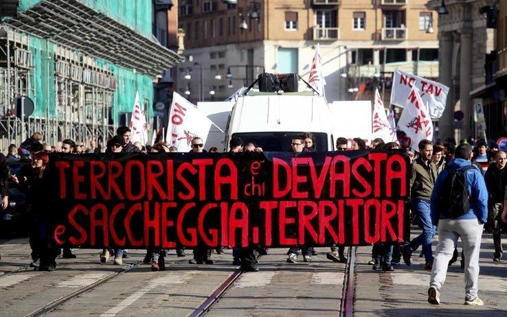 Terrorista è chi devasta i territori