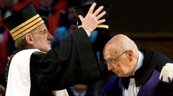 Bologna, 30 gennaio 2012. A destra, Giorgio Napolitano. A destra pure lui, Ivano Dionigi.