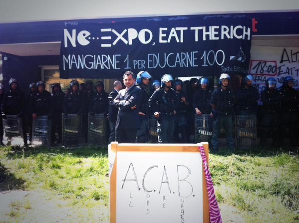 Bolognina, 7 maggio 2015. Muraglia di agenti per sgomberare un'occupazione simbolica, gente che voleva presentare un libro contro Eataly e poi andarsene.