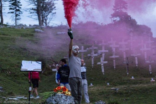 Alberto Peruffo in «The Burning Cemetery». Foto di Alessandro Colombara.