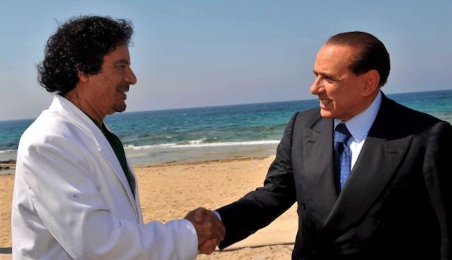 Berlusconi e Gheddafi all'inaugurazione del gasdotto Greenstream