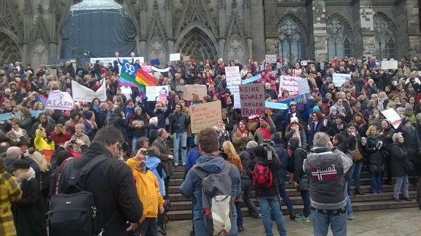 Manifestazione femminista e antirazzista a Colonia, 9 gennaio 2016