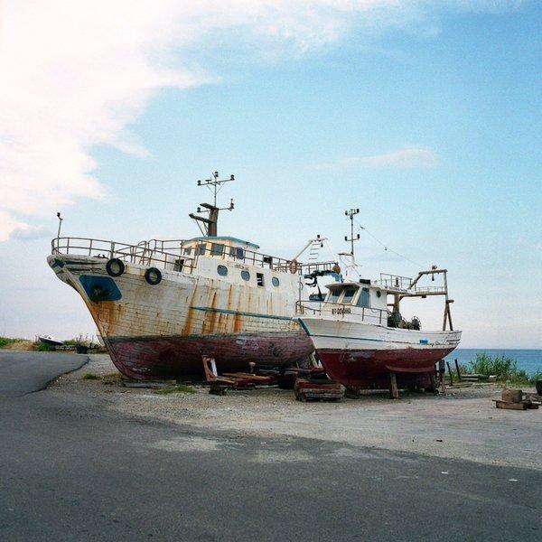 Barche in riparazione sulla costa di Cariati (CS).
