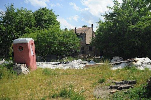 La casa e il terreno di Via Fantoni, dopo lo sgombero di settembre 2015