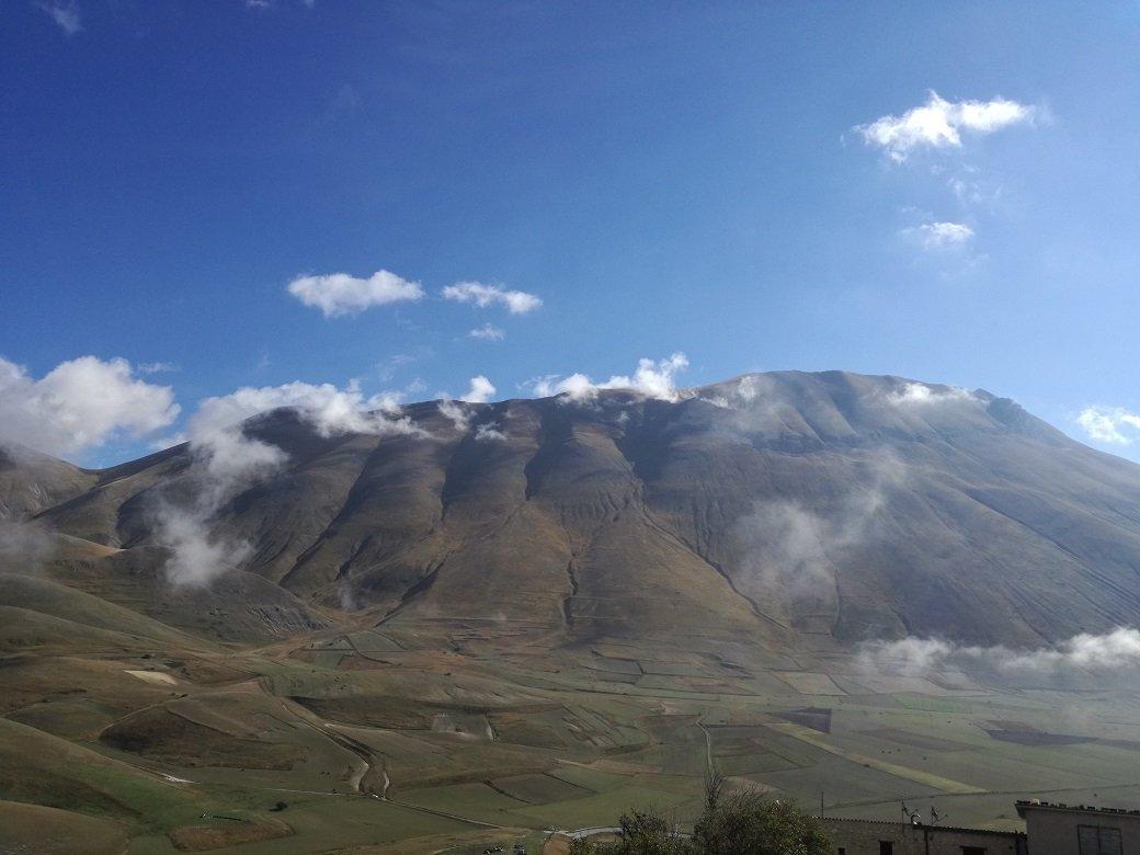 Monte Vettore visto da Castelluccio di Norcia.