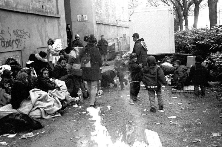 Bologna, 7 dicembre 1998, sgombero in via del Pallone.