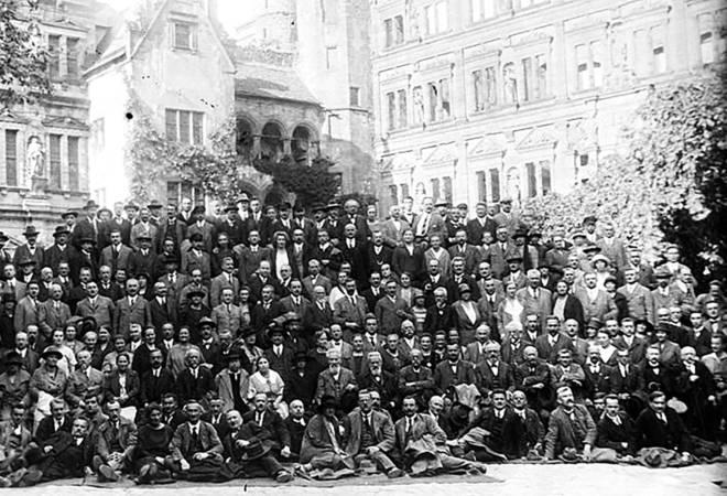 Foto di gruppo dei delegati al congresso SPD di Heidelberg, 1925.