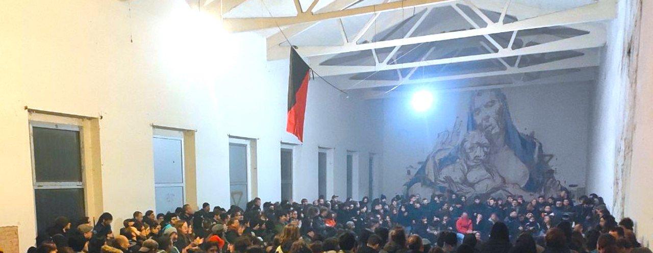 L'assemblea del 15 novembre nella «Cattedrale» della Caserma Sani.
